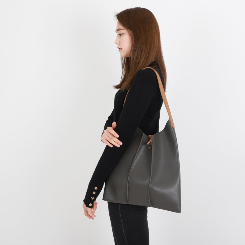 2020 NOMAD SHOULDER BAG